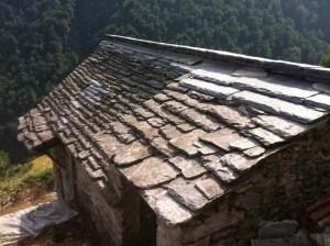 Riparazione tetti in piode (1)