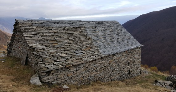 Riparazione tetti in piode (16)